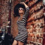 Mode mit Geschmack in den Trendfarben für das Jahr 2021 Mode mit Geschmack